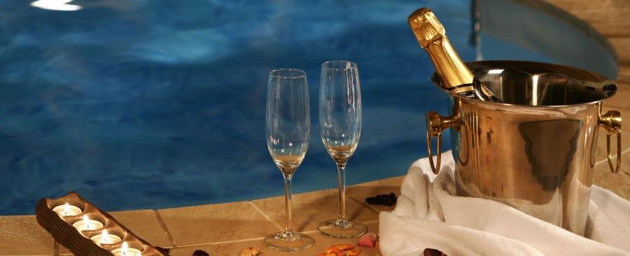 Hoteles con piscina privada en madrid barcelona valencia for Hoteles en badajoz con piscina