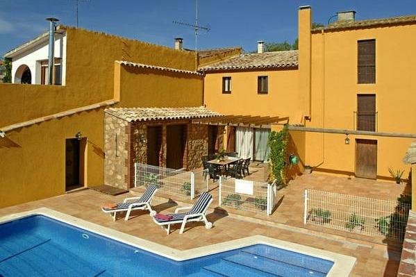 Casa rural ca la siona barcelona hoteles con piscina privada for Hoteles en navarra con piscina