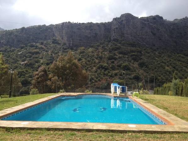 Casa rural los cascajales malaga hoteles con piscina privada for Casa rural con piscina privada