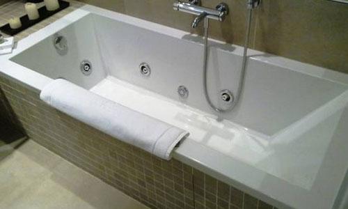 Hoteles con piscina privada en salamanca for Hoteles en badajoz con piscina