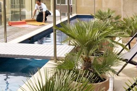 Hoteles con piscina privada en catalu a for Hoteles en valencia con piscina