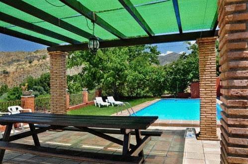 Las huertas casas rurales granada hoteles con piscina privada for Casas rurales en badajoz con piscina
