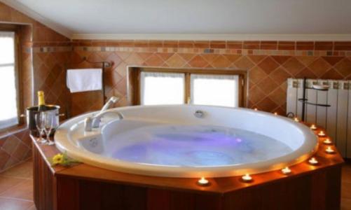 Hoteles con piscina privada en navarra for Hoteles en badajoz con piscina