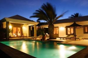 Hoteles con piscina privada en canarias for Hoteles en burgos con piscina