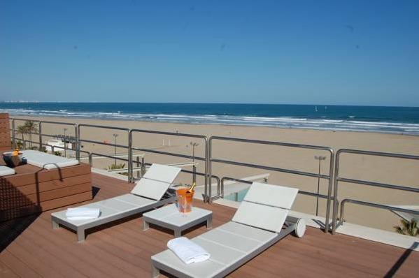 Hotel neptuno valencia hoteles con piscina privada for Hoteles en valencia con piscina