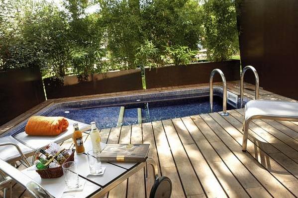 Hotel nm suites girona hoteles con piscina privada - Hotel con piscina privada segovia ...