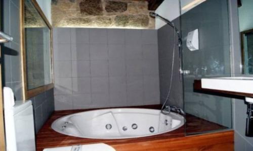 Hoteles con piscina privada en a coru a for Hoteles en badajoz con piscina