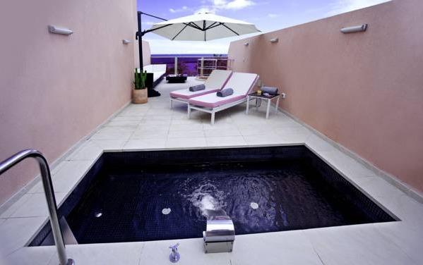 Hoteles con piscina privada en tenerife for Hoteles en badajoz con piscina