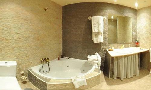 Hoteles con piscina privada en guadalajara for Hoteles en badajoz con piscina
