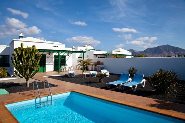 Hotel villas papagayo lanzarote hoteles con piscina privada for Villas en lanzarote con piscina privada